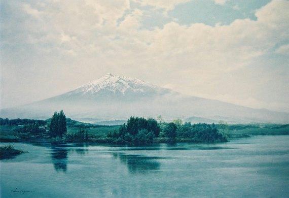 薫風(廻堰大溜池から見た岩木山)